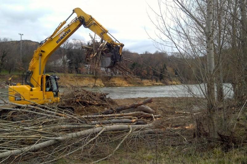A Carbonne, les travaux vont aussi soulager la berge en rive opposée
