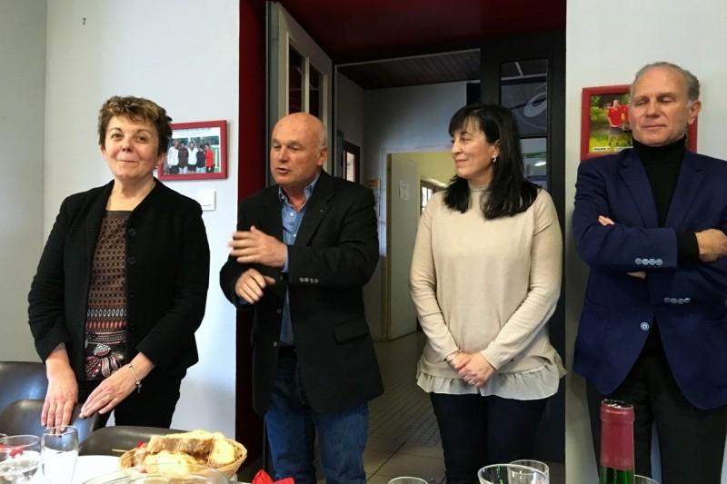 Michel Audoubert pendant son discours. a sa gauche Maryse Vezat, à sa droite Carmen Herrero Roméo et Gérard Roujas
