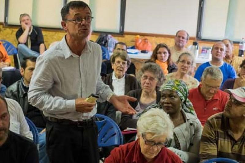 M. Aviragnet, député suppléant de Madame Carole Delga, défend avec émotion la cause des sans abris et des plus démunis.
