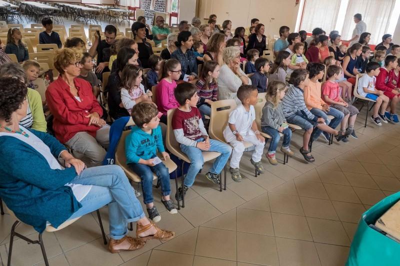 Un public d'enfants très attentif