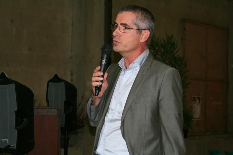 Durant les discours : Denis Turrel, directeur général de l'AJH