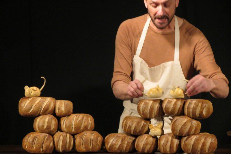 Le boulanger-conteur et ses marionnettes