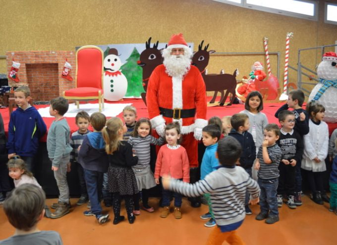 Landorthe: Le père Noël a déjà fait une halte au village.