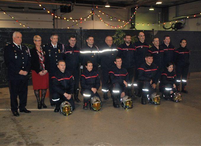 Promotions et médailles chez les pompiers.