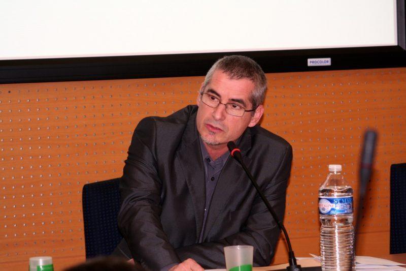 Denis Turrel, nouveau président peut désormais poursuivre la séance