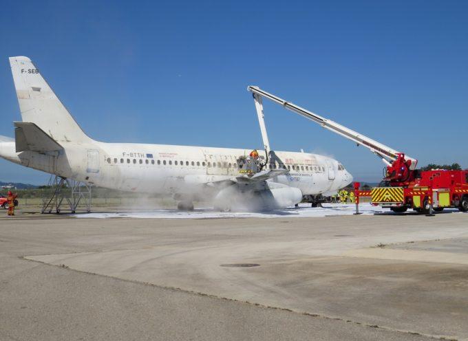 Appel à la grève illimitée des pompiers de l'aéroport de Toulouse Blagnac.
