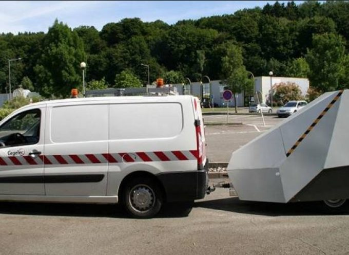 Installation d'un radar autonome à Frouzins.