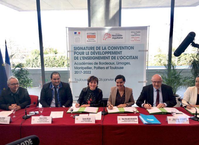 La convention cadre sur l'enseignement de l'Occitan signée à l'hôtel de région.