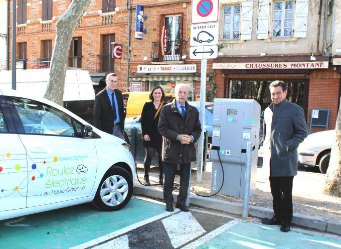 Carbonne se munit d'une borne de recharge pour véhicules électriques.