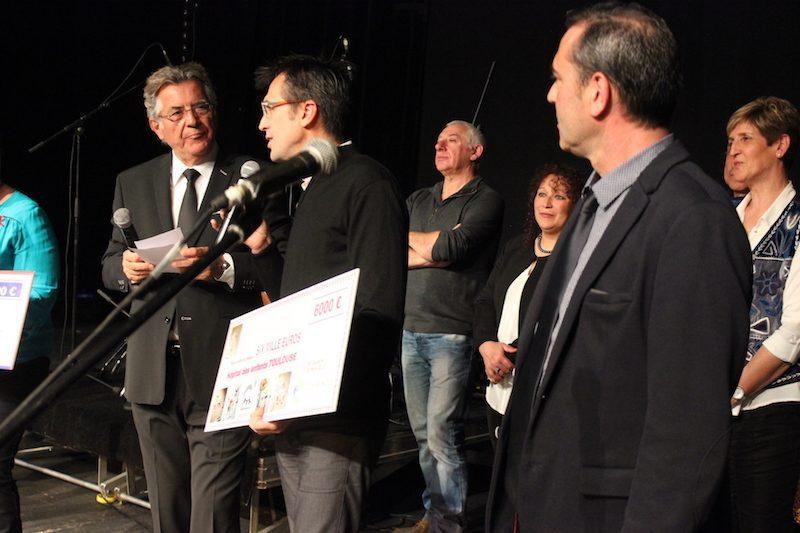 Claude Cances a bénéficié d'un chèque au profit de l'hôpital des enfants ( Purpan ).