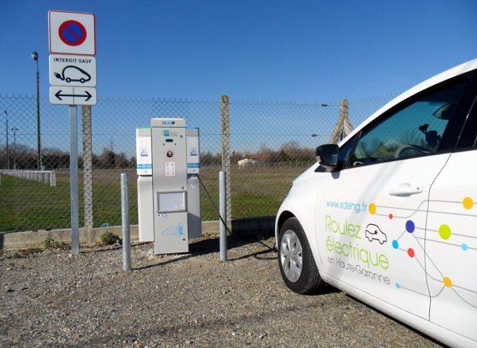 Une borne de recharge pour véhicules électriques Chemin de Muret à Longages