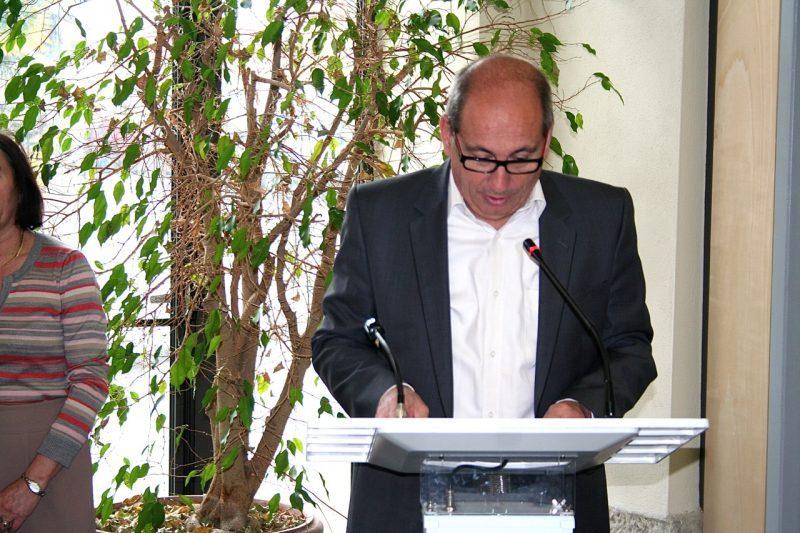 Michel Oliva explique les droits et les devoirs aux nouveaux électeurs de la commune
