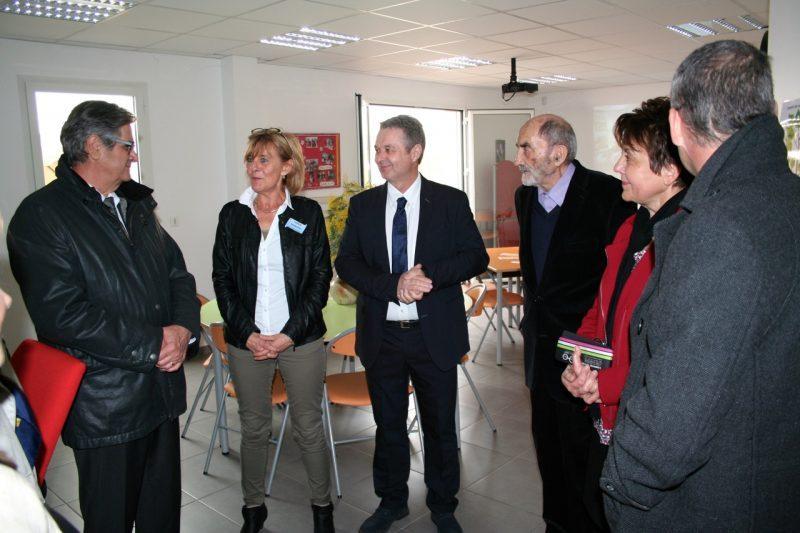 Lors de la visite des autorités conduite par madame Françoise Garcia directrice du SSIAD