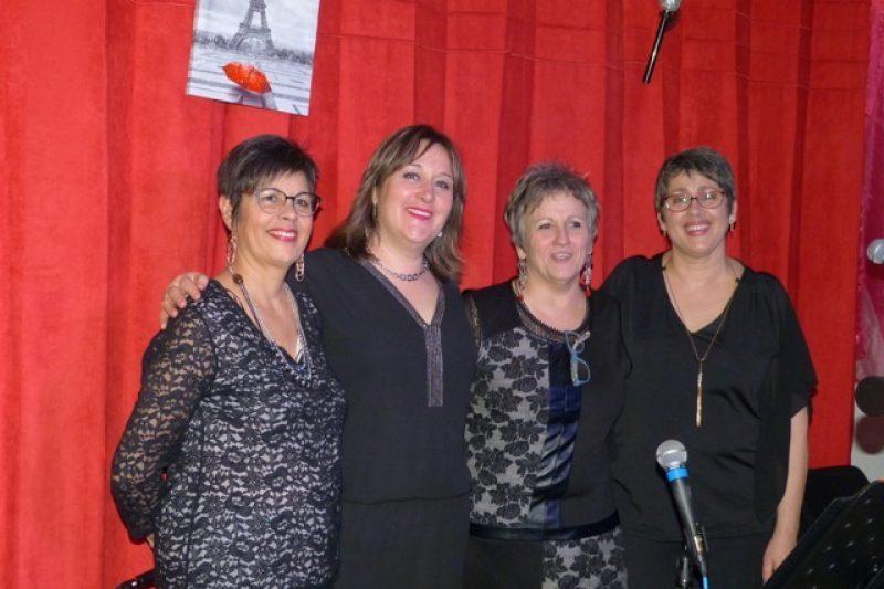 Les sœurs sisters entourent Gisèle Milhorat