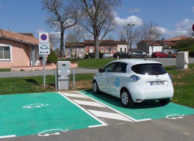 Une borne de recharge pour véhicules électriques Promenade du Préau à Rieux-Volvestre