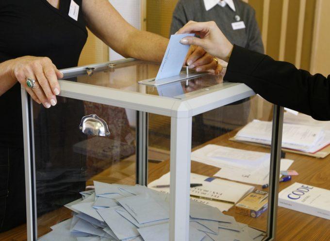 Dépôt des candidatures pour l'élection législative partielle de la 8° circonscription