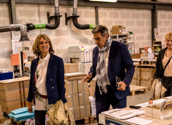 """La candidate Elisabeth Toutut-Picard """"En Marche"""" en immersion dans le monde de l'entreprise."""