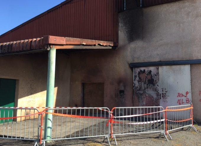 Montesquieu Volvestre : Début d'incendie, dégradation de mobilier urbain, tags nauséabonds.