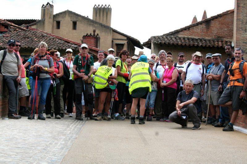 Le groupe de marcheurs dans lequel se trouve Maryse Vezat et Michel Barbero