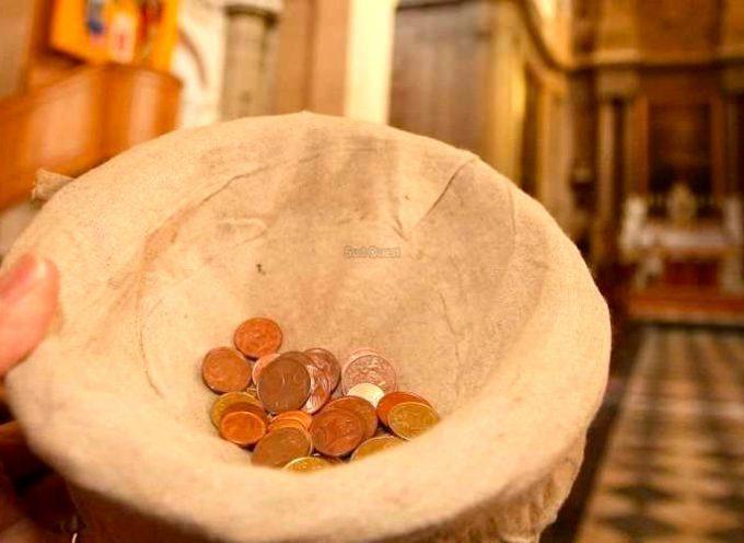 Le tronc de la cathédrale de Rieux résiste. Les voleuses s'enfuient.