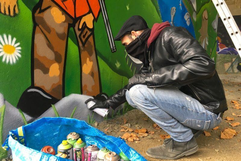 Un art urbain peint à l'aide de bombes de peintures