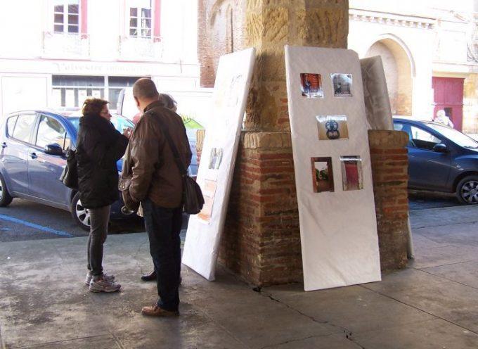 L'exposition de Zoom sur la ville à Montesquieu