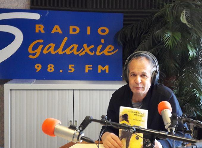 Reliure donne la parole aux auteurs sur Radio Galaxie.