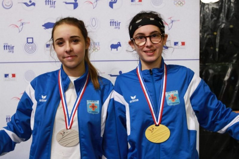Les 2 médaillées Emilie et Lisa en 10-18 m