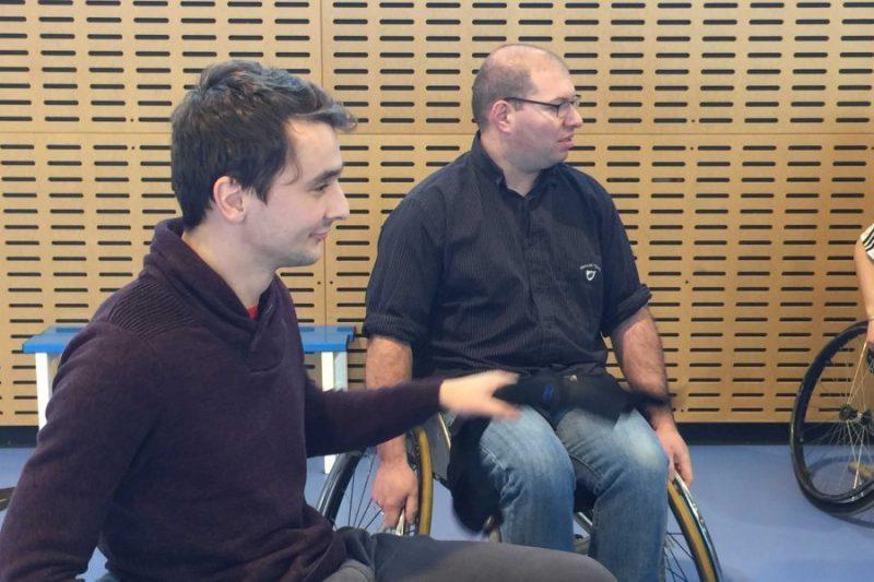 David Bardou et Sébastien Termini découvrent le fauteuil