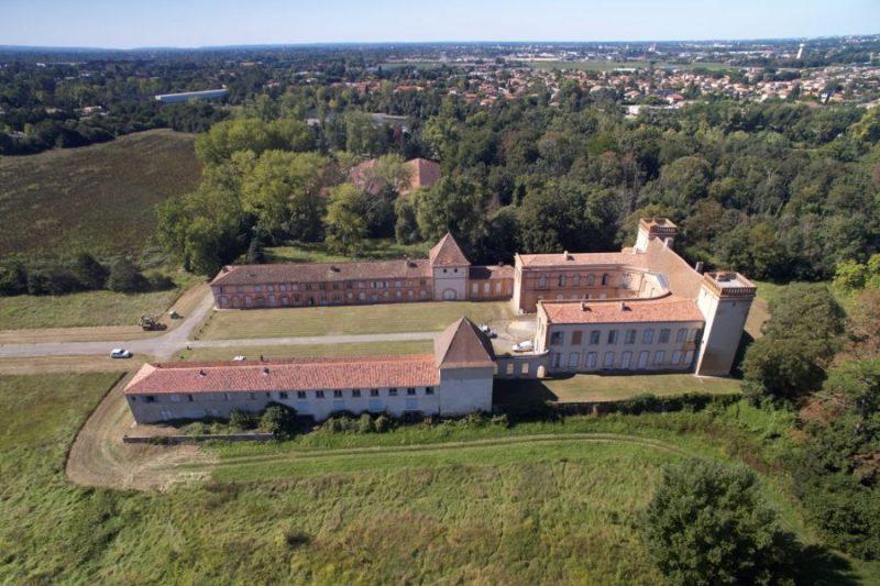 Le magnifique site du château des Confluences