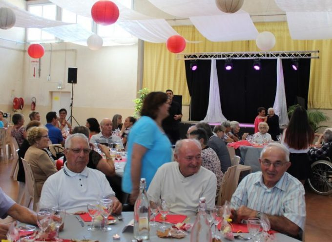 Un repas des anciens dans la bonne humeur à Villeneuve de Rivière