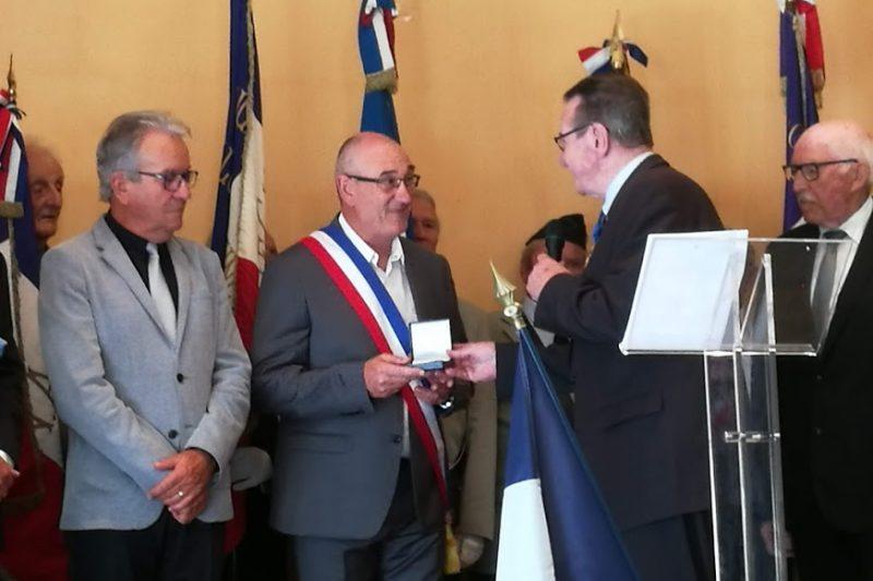 Christian Sensebé a remis la médaille de Palaminy à Guy Darmanin et Roger Toullec