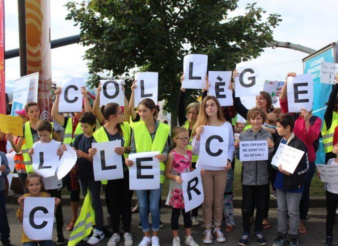 Saint-Gaudens : Parents, élèves et profs du collège Leclerc manifestent