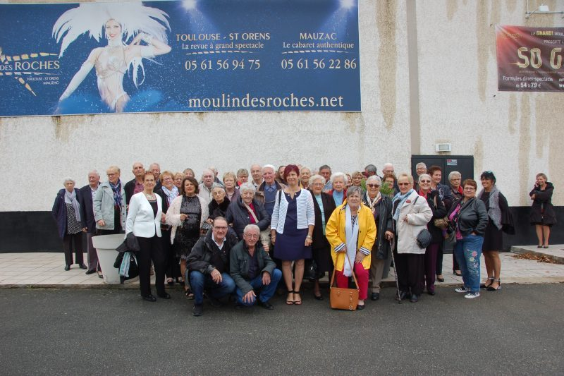 Le déjeuner spectacle au Cabaret du Moulin des Roches a fait l'unanimité