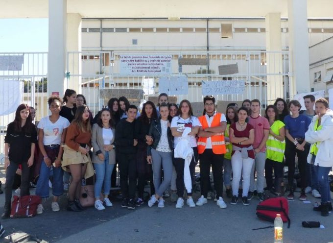 Ras le bol, les lycéens d'Aragon manifestent