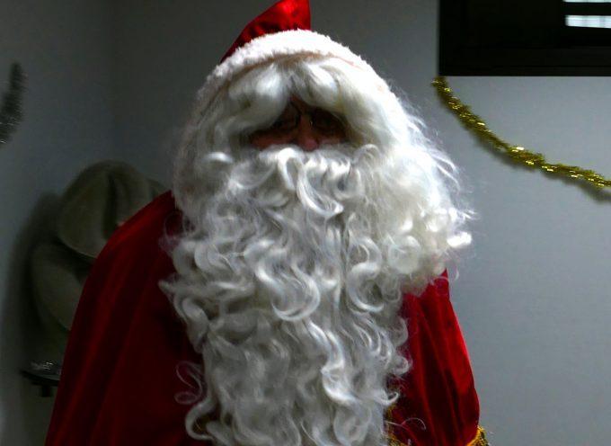 Bizarre ! Les Pères Noël se suivent mais ne se ressemblent pas