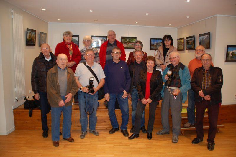 Groupe du Ciné Photo Club lors du vernissage à l'OTI