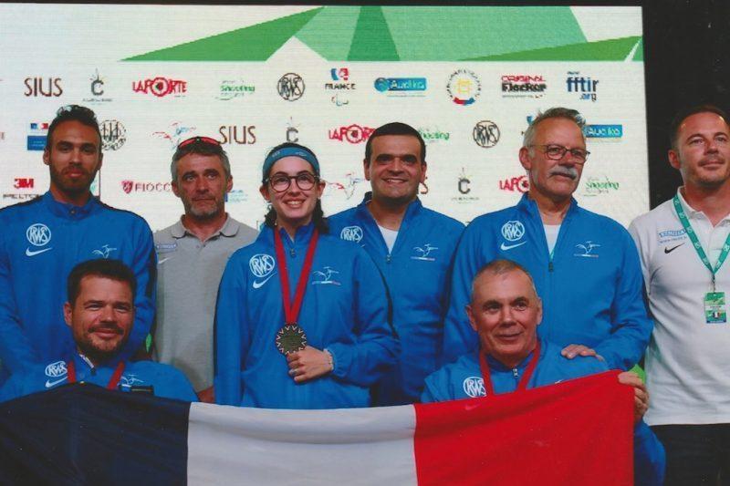 Un beau souvenir avec l'équipe de France à Châteauroux avec une médaille de bronze par équipe.