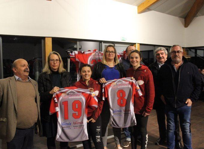 Les cadettes du Stade Saint-Gaudinois ont reçu un maillot de la Communauté de Communes
