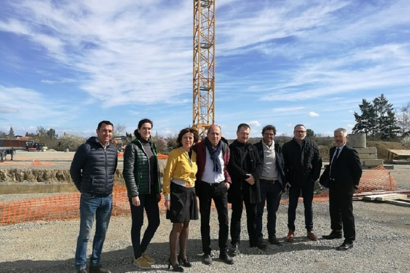 Carole Delga et Michel Oliva aux côtés des responsables de chantiers