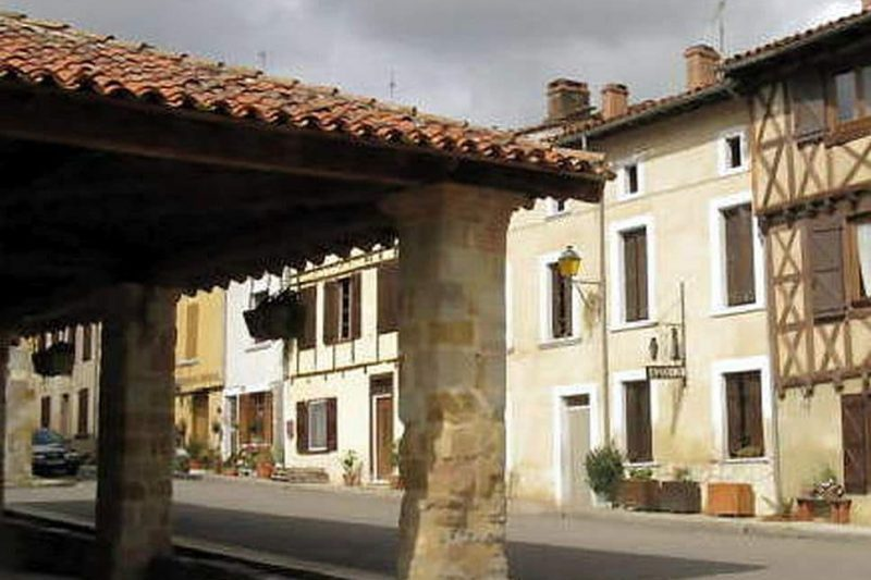 Beau village de Montbrun-Bocage