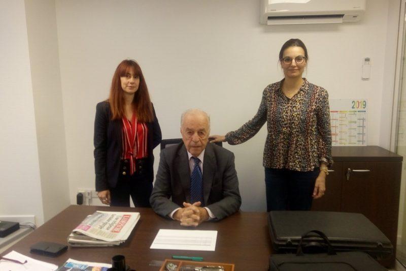 de gauche à droite : Sandra MOULIER responsable communication, Pierre IZARD Président, Delphine LAGUERRE DJABER responsable procédures techniques et juridiques