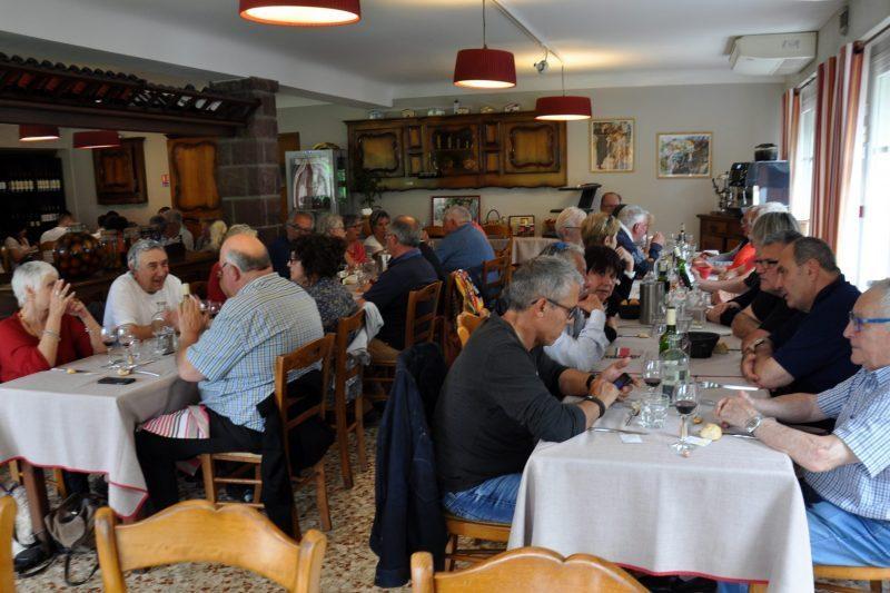 Au restaurant à Ainhoa