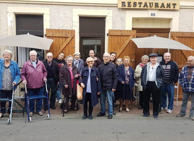 Des restaurateurs cazèriens invitent les résidents de l'EHPAD pour la journée de solidarité