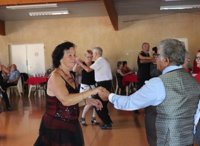 Landorthe : Belle affluence au 1er thé dansant de la saison