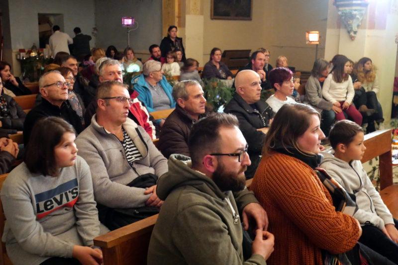 Un nombreux public