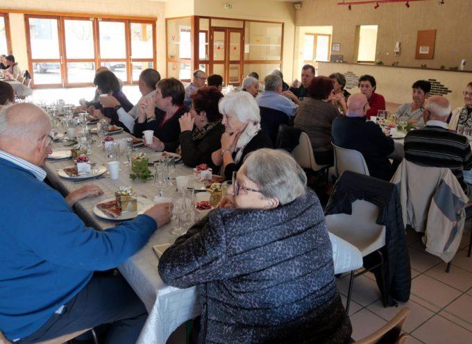 Le Cuing : Repas convivial pour les anciens