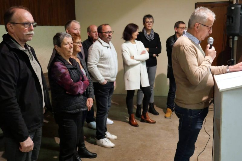 Le maire, Jean-Paul Manent et son conseil