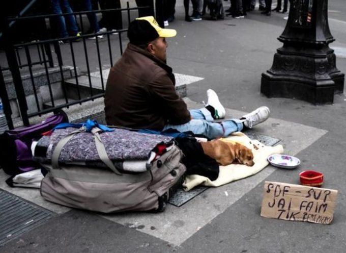 Covid-19 : Chèques services pour les sans-abri