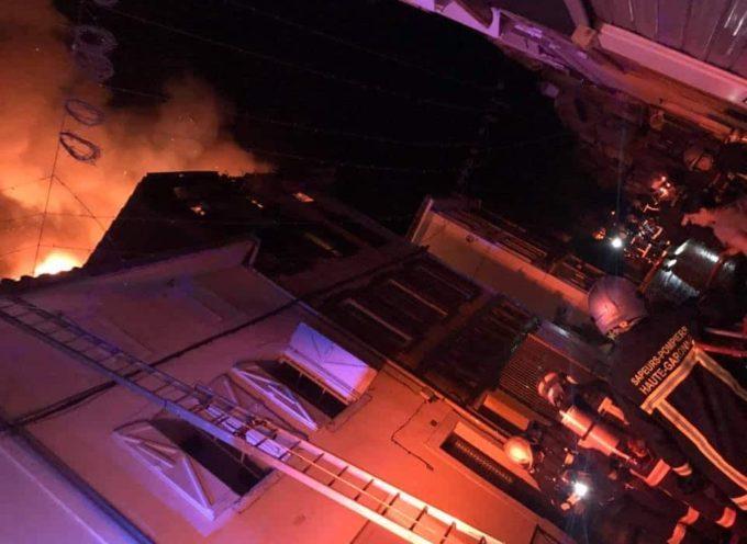 Incendie dans le centre de Cazères : 3 personnes sauvées par les pompiers